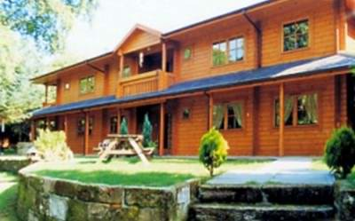 Luxury log cabin homes - a nice example of a log home